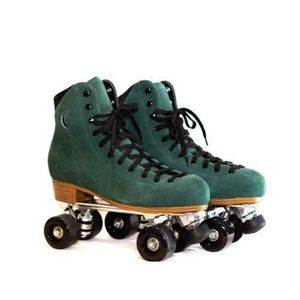 Moonlight Roller Skates size 7